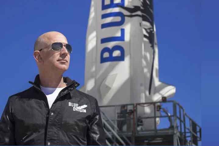 Jeff Bezos ma utazik saját űrhajózási cégével az űrbe